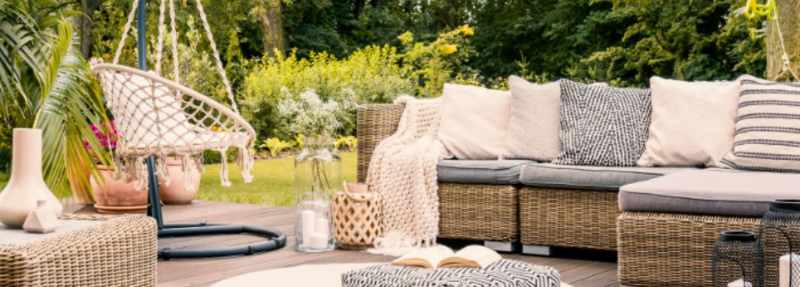 How to Design the Perfect Outdoor Sitting Area