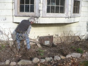 Increase Your Farmington Hills Michigan Homes Value outside clean up