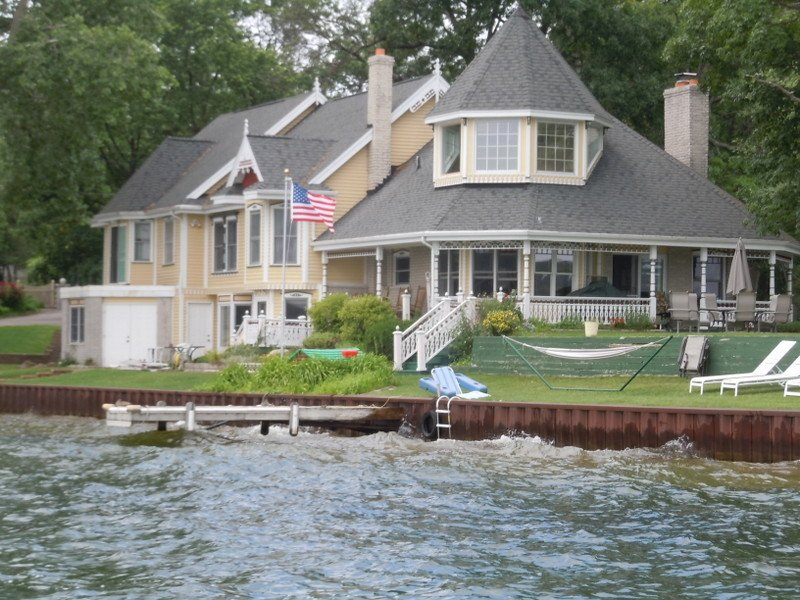 Why You Should Consider West Bloomfield MI Homes for Sale