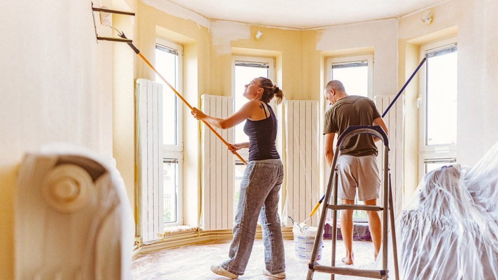 Things To Consider Before Buying a Fixer-Upper in Farmington Hill MI