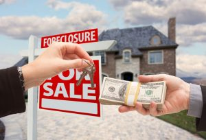 Buying a Foreclosed Home in Oakland County MI