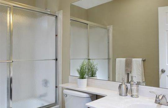 11708 N Mineral Park Way – Guest Bathroom 2