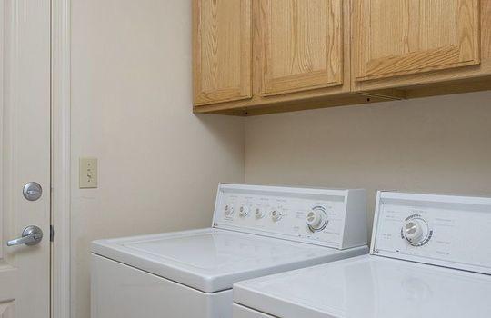 11957 N Labyrinth Drive – Laundry