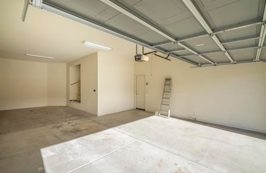 13737 N High Mountain View Place – Garage