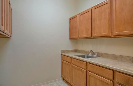 13737 N High Mountain View Place – Laundry Room