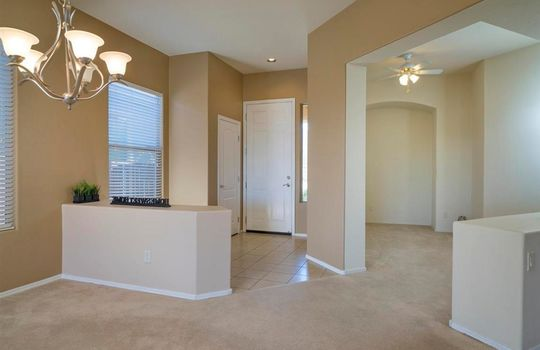 13737 N High Mountain View Place – Living Room 1