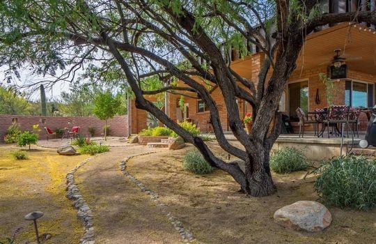 1902 W Camino Bajio, Oro Valley, AZ 85737 (1)