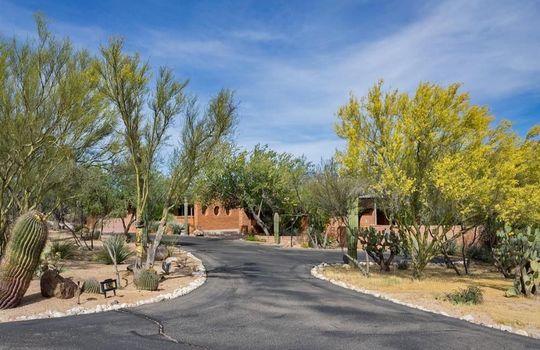 1902 W Camino Bajio, Oro Valley, AZ 85737 (28)