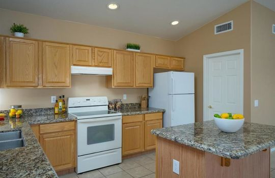 37252 S Vista Park Drive, Tucson, AZ 85739 (13)