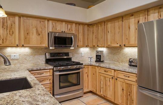 520 W Apex Court – Kitchen 2