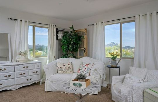 8215 N Willow Blossom Drive – Master bedroom