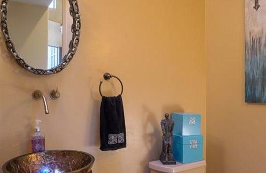 996 N Lone Mesquite Drive – Guest Bathroom 2