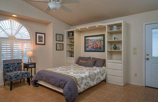 guest-quarters-shot-1-open-murphy-bed