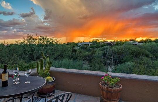 alfresco-dining-at-sunset-patio