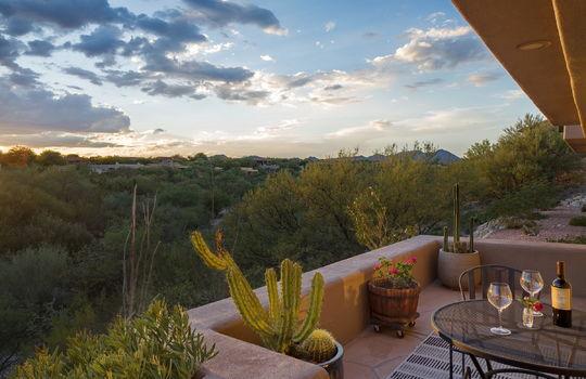 alfresco-dining-at-sunset-patio-shot-1