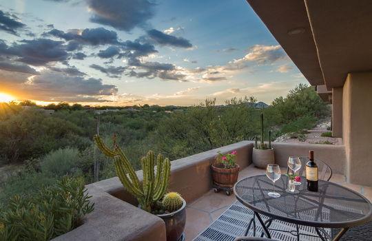 alfresco-dining-at-sunset-patio-shot-2