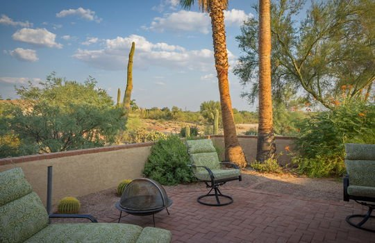outdoor-patio-off-dining-room