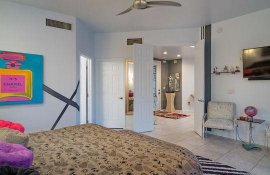 master-bedroom-shot-3