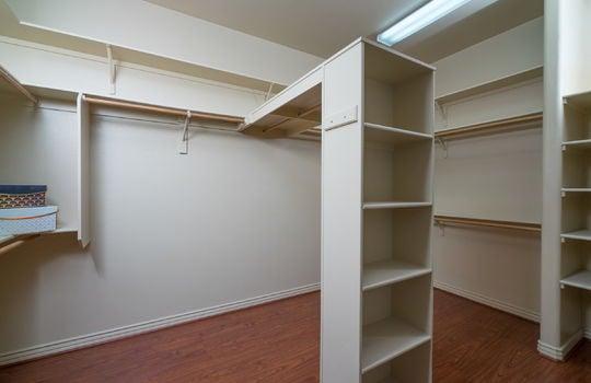 massive-master-closet