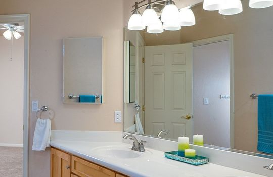vanity-and-sink-area-off-jack-and-jill-bath