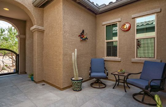 Charming Tiled Private Courtyard