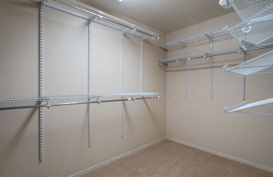Main Bedroom Walk-In Closet