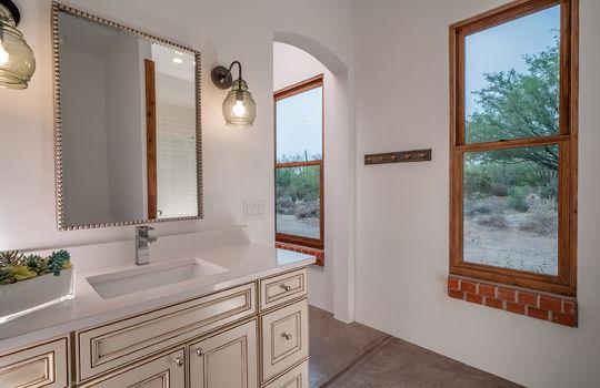 Second Guest Bedroom En Suite Bath Shot 1