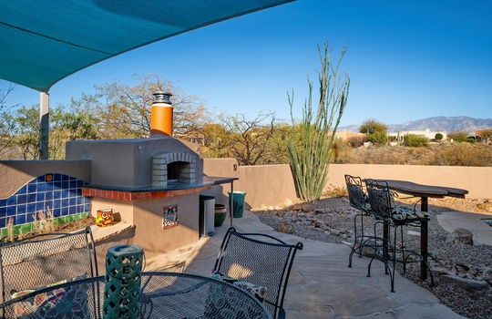 Outdoor Pizza Oven and View Table