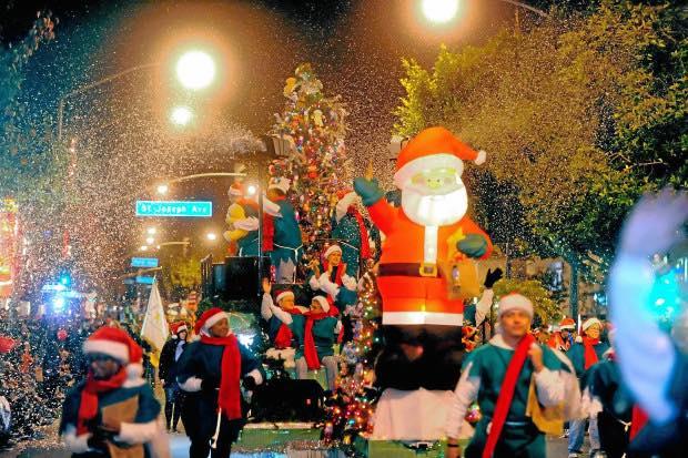 Wrigley Neighborhood Christmas Parade