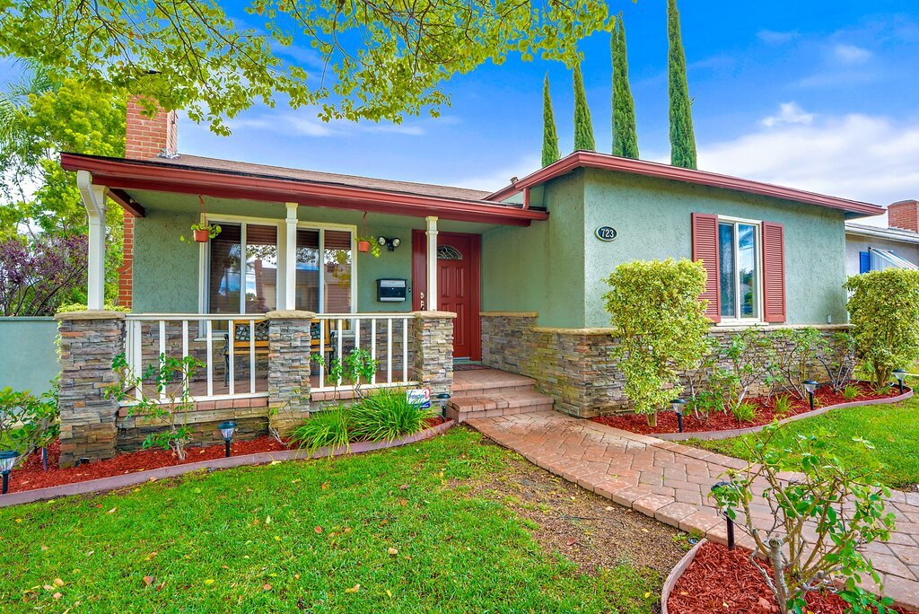 5 Emergencies When Selling Your Home - House Exterior