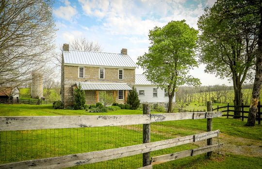Stone-homes-for-sale-Wake-Robin-Kentucky-005