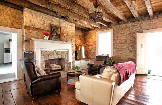 Stone-homes-for-sale-Wake-Robin-Kentucky-015