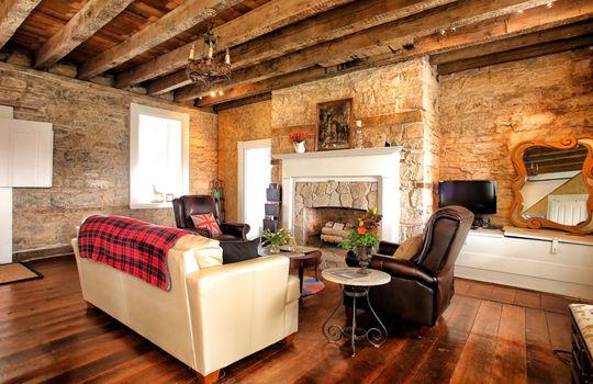 Stone-homes-for-sale-Wake-Robin-Kentucky-020