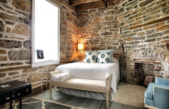 Stone-homes-for-sale-Wake-Robin-Kentucky-040