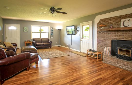 sustainable-farm-cabin-for-sale-in-kentucky-130