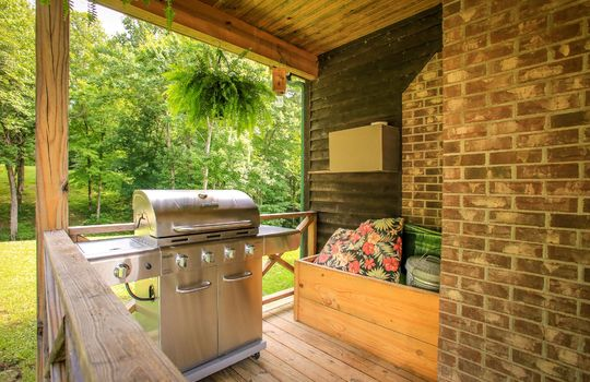 sustainable-farm-cabin-for-sale-in-kentucky-185