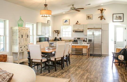 Metal-building-home-log-cabin-Big-Land-200-acre-Getaway-Property-032
