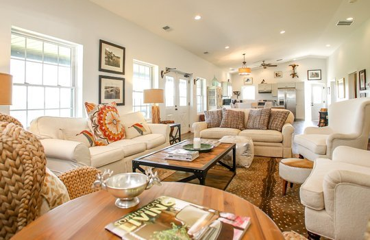 Metal-building-home-log-cabin-Big-Land-200-acre-Getaway-Property-042