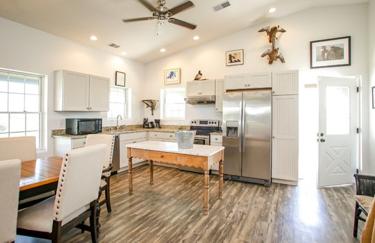 Metal-building-home-log-cabin-Big-Land-200-acre-Getaway-Property-052