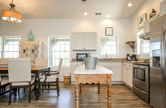 Metal-building-home-log-cabin-Big-Land-200-acre-Getaway-Property-054