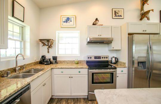 Metal-building-home-log-cabin-Big-Land-200-acre-Getaway-Property-056