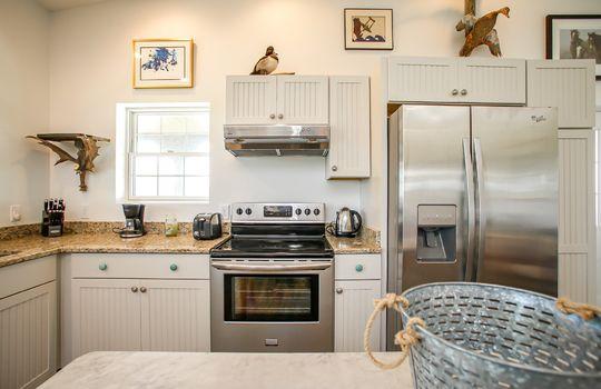 Metal-building-home-log-cabin-Big-Land-200-acre-Getaway-Property-062