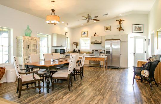 Metal-building-home-log-cabin-Big-Land-200-acre-Getaway-Property-064
