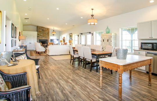 Metal-building-home-log-cabin-Big-Land-200-acre-Getaway-Property-066