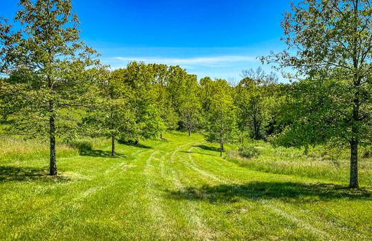 Metal-building-home-log-cabin-Big-Land-200-acre-Getaway-Property-090