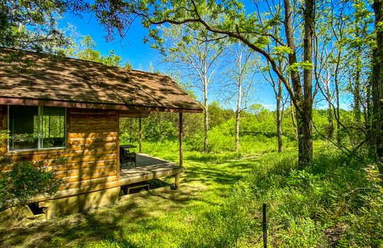 Metal-building-home-log-cabin-Big-Land-200-acre-Getaway-Property-099