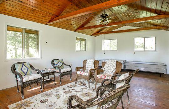 Metal-building-home-log-cabin-Big-Land-200-acre-Getaway-Property-100