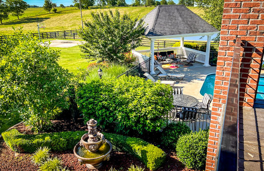 House with land for sale Kentucky 107