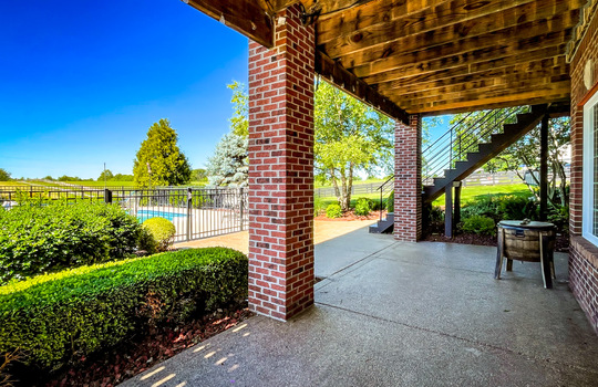 House with land for sale Kentucky 111