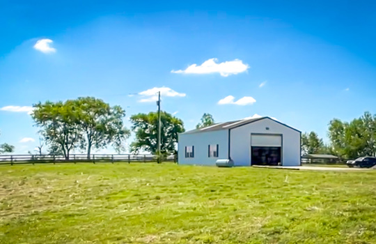 House with land for sale Kentucky 174